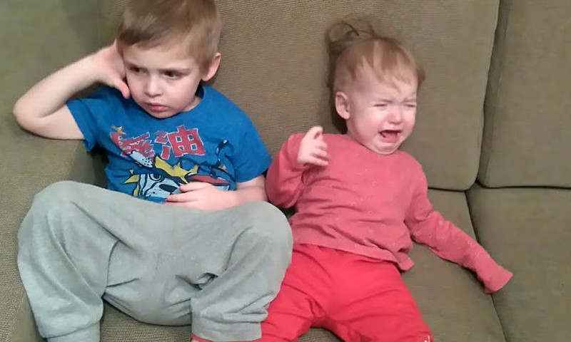 Погодки Артем и Адель – настроение слезное