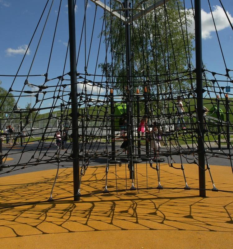 Детская площадка возле «кепки Ушакова» и наши разочарования