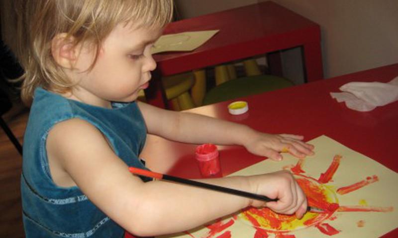 Во что играть с ребёнком от 1,5 до 3 лет?