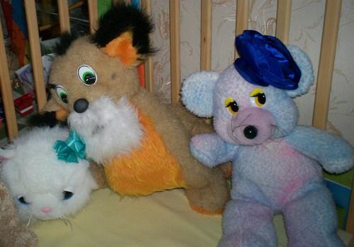 Сказка о том, как девочка Алина вернула жизнь игрушкам