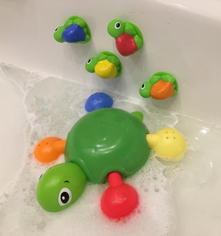 Веселый заплыв с черепашками ТОМY