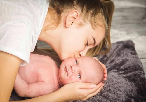 Идеи, во что играть с малышом в возрасте от 0 до 3 месяцев