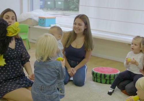 Во что играть с малышом 10 - 14 месяцев: советы педагога
