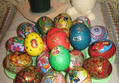 Куркума, мулине, свекла, клей ПВА, лак для ногтей... или чем еще можно покрасить пасхальные яйца
