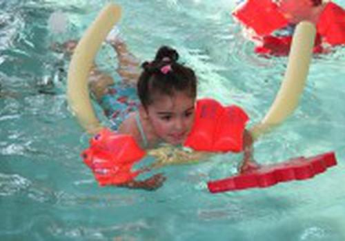 Плаванье. С какого возраста?