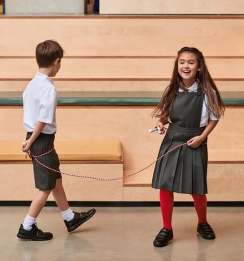 Шагаем в школу в подходящей обуви!