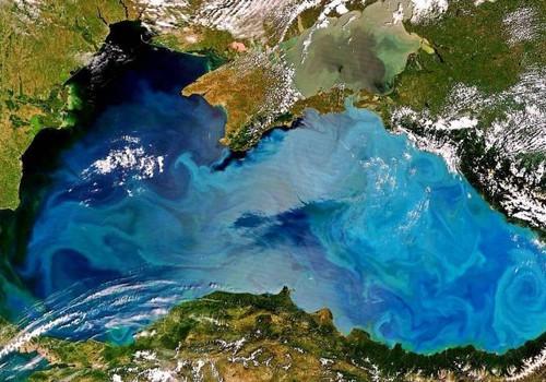 В погоне за летом: Черное море