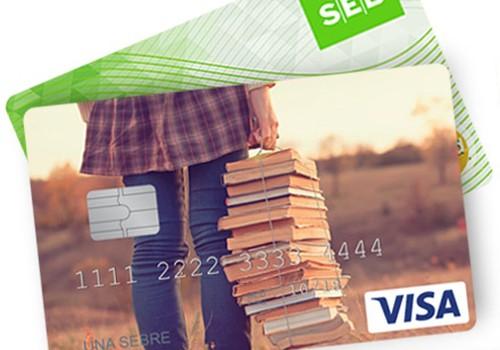 Дети и подростки часто используют платежную карту как электронную копилку