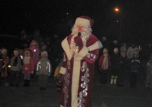 Вот и в Резекне Дед Мороз зажёг ёлочку!