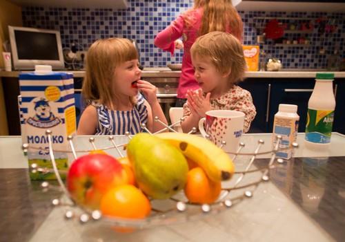 Педиатр рекомендует: 8 рецептов полезных летних деликатесов  для детей