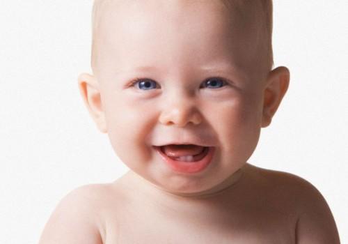 Как выбрать зубную пасту и зубную щётку малышам и детям?