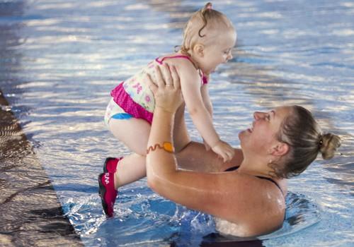 ФОТОРЕПОРТАЖ: Вечеринка маленьких пловцов Маминого Клуба у бассейна SemaraH Hotels Lielupe
