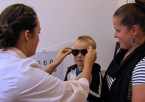 ВИДЕО: Ведём ребёнка к глазному врачу