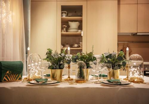 Новогодний стол для одной семьи
