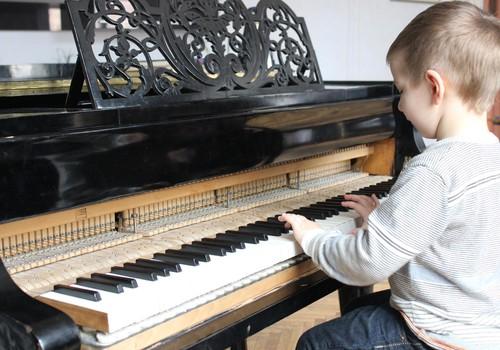 Интервью с человеком, который открывает детям волшебный мир музыки