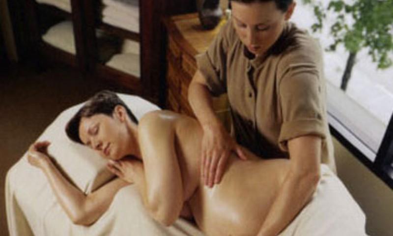 Массаж животика и использование эфирных масел во время беременности