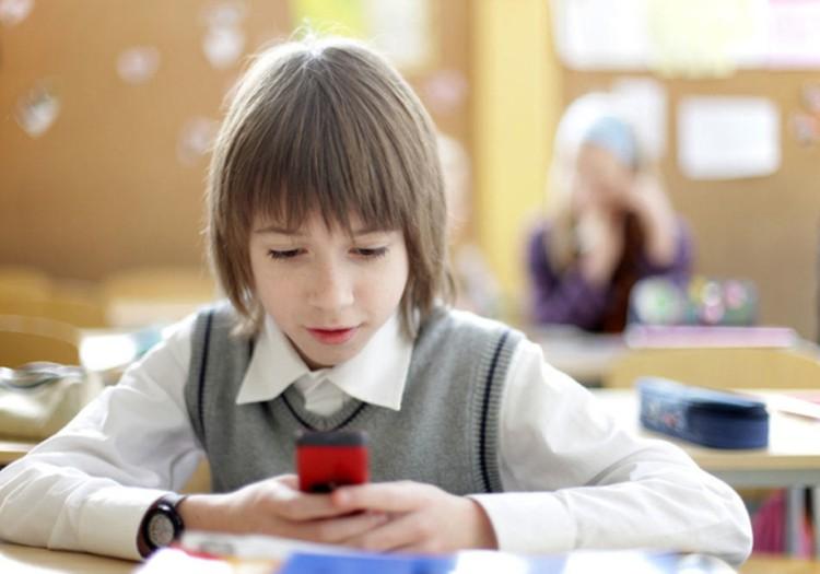 ДИСКУССИЯ: Нужен ли первокласснику телефон?