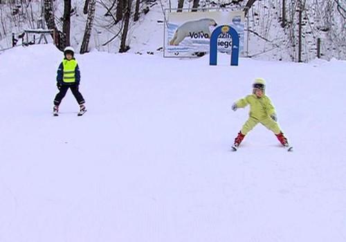 Как семьи Маминого Клуба учатся кататься на лыжах, смотри в воскресенье на TV3 в 8:50!